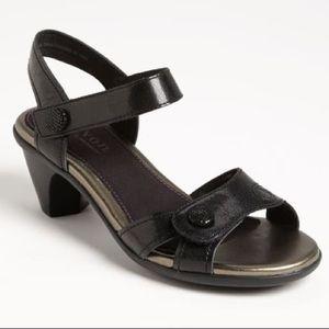 Aravon Mila Velcro Strap Comfort Heel Sandals
